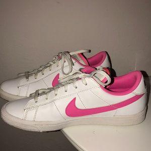 Nike Tennis Classics